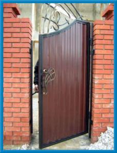 Ворота с калиткой из профнастила калитка