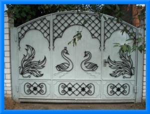Преимущества ворот с элементами ковки